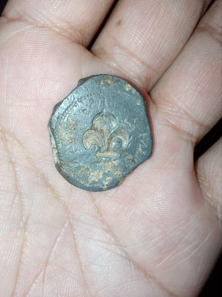 AYUDA PARA IDENTIFICAR UNAS MONEDAS  22519119