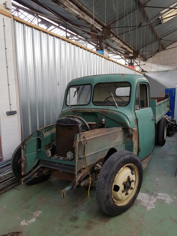 Recherche pièces de carrosserie U23 de 1957 755
