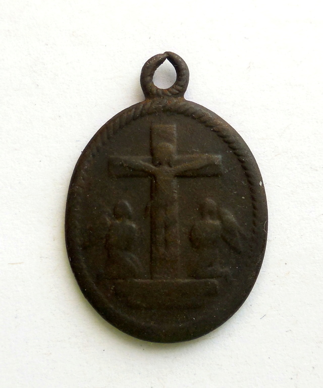 Nuestra Señora de los Dolores / Crucificados con dos ángeles adoradores S-XIX Dscn4711