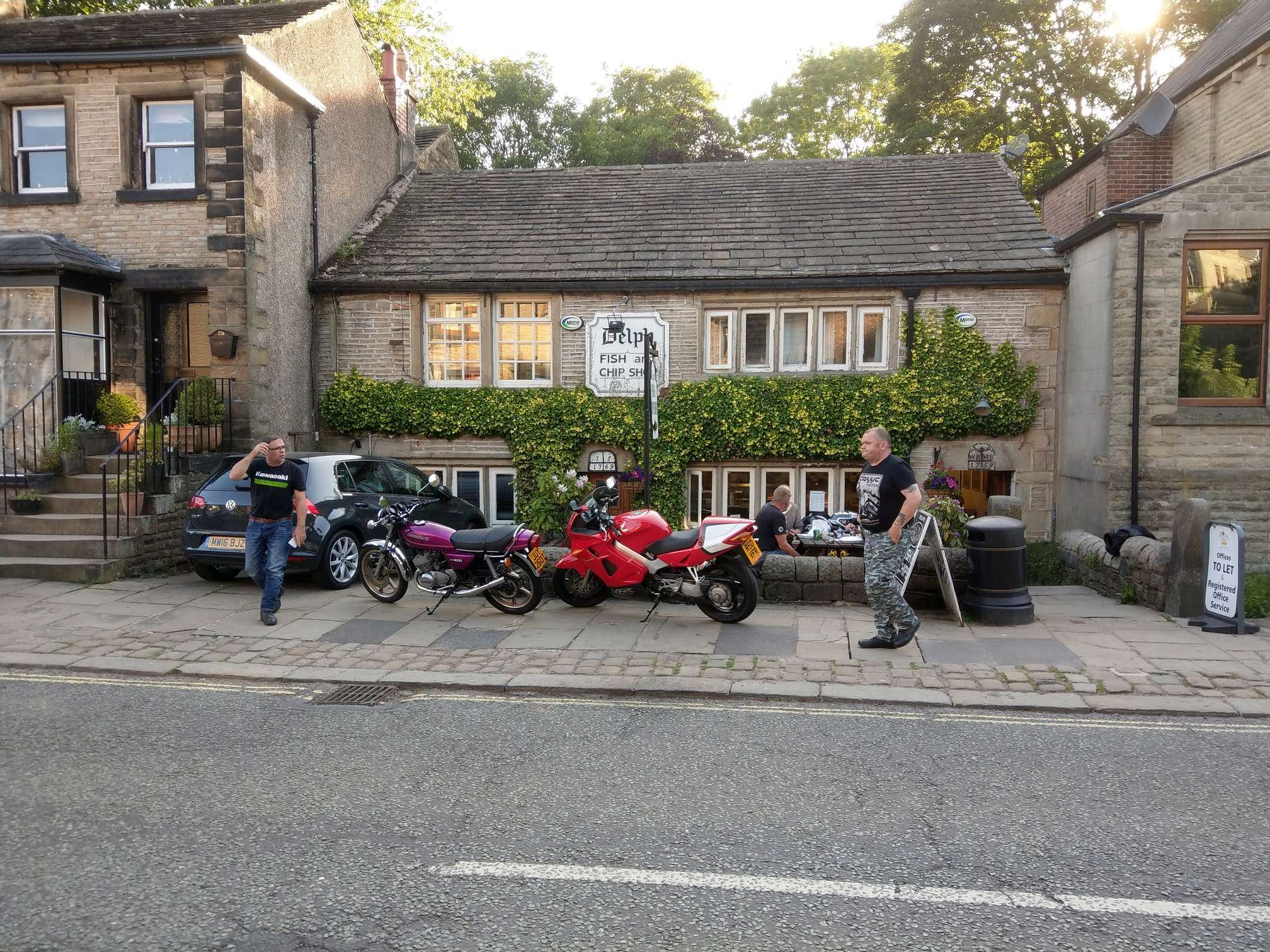 Evening rideout with chips Thursday 7th June Imag0417