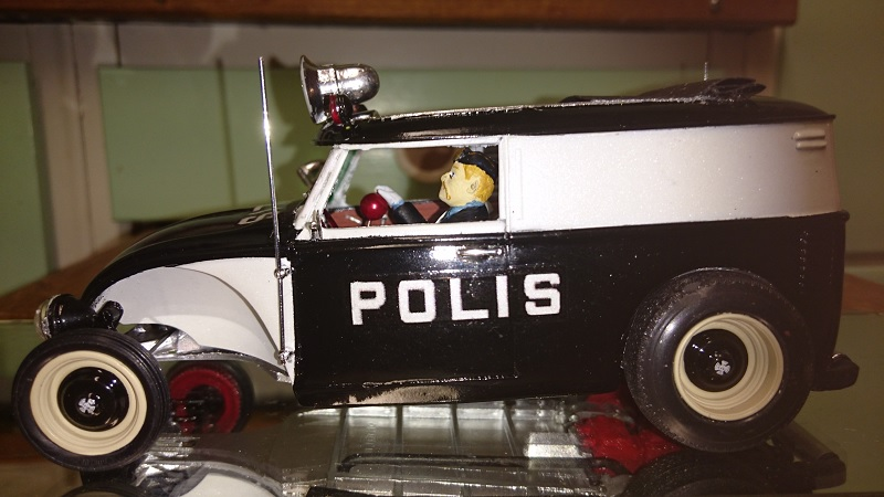 VW-rod, police-style, by Chromecop - FINI ! - Page 2 201-210