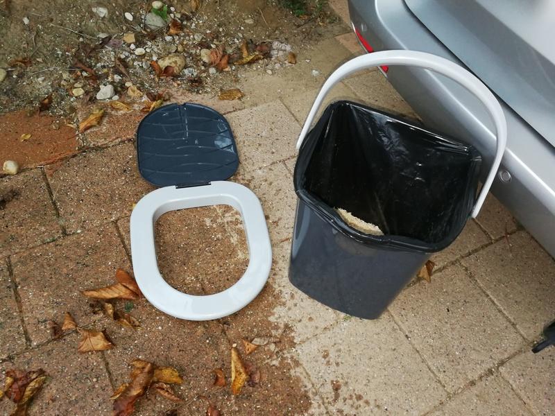 toilette sèche Img_2012