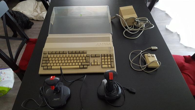 Plusieurs Amiga 500 + accessoires 20171113