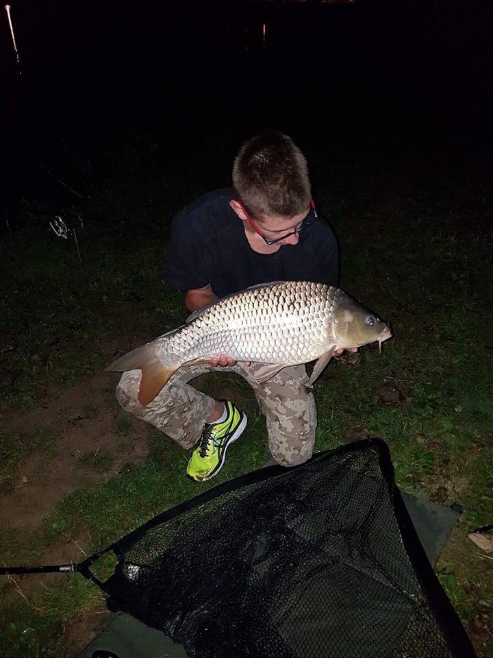 Pêche a la carpe  22523610