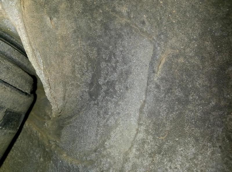 Duvida é normal rachaduras na lata ao lado suspensão traseira prisma 2008 20171014