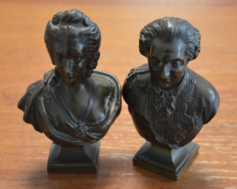 A vendre: Louis XVI et Marie Antoinette - Page 6 15278410