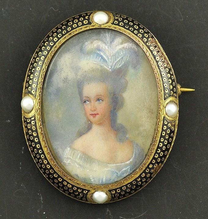 Portrait de la Reine 1778 - Page 4 Zz10
