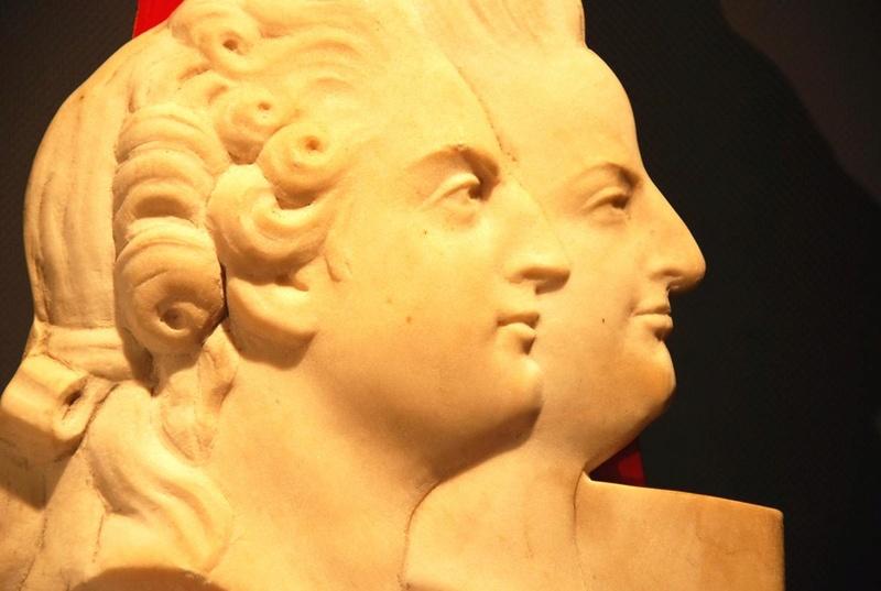 A vendre: Louis XVI et Marie Antoinette - Page 5 Zzz410