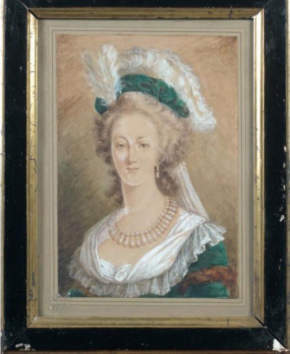 Marie-Antoinette en robe rouge sans ses enfants - Page 2 Zzz9-418