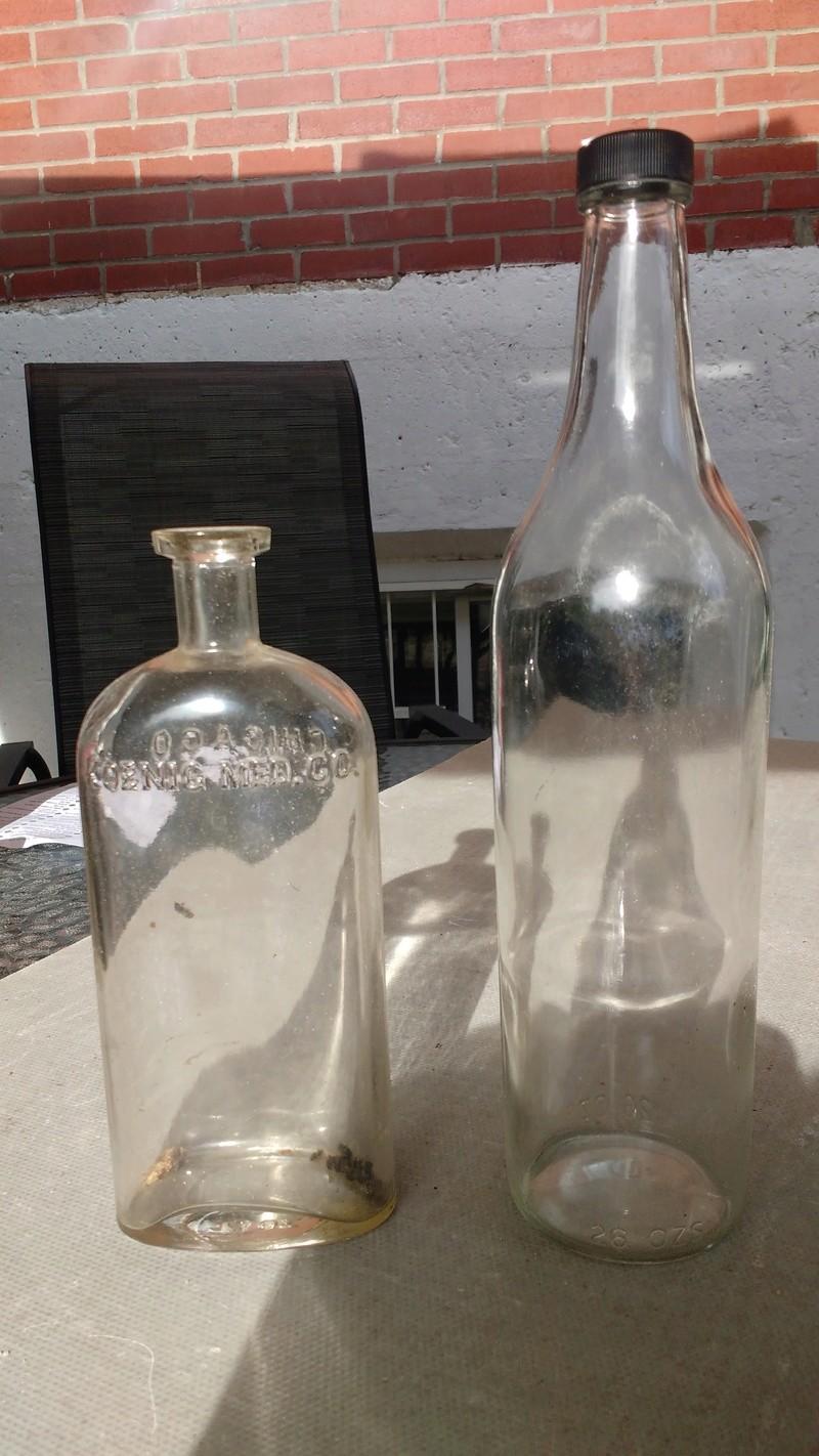 Collection d'une centaine de bouteilles 1310
