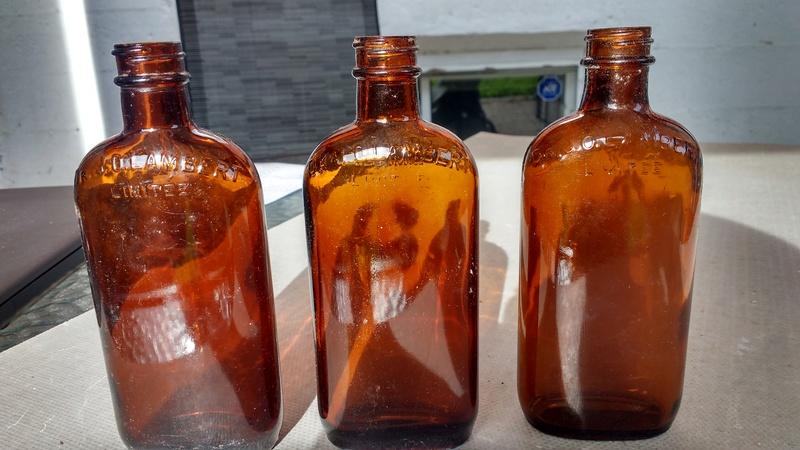 Collection d'une centaine de bouteilles 1410