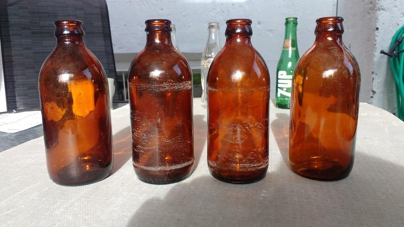 Collection d'une centaine de bouteilles 2610
