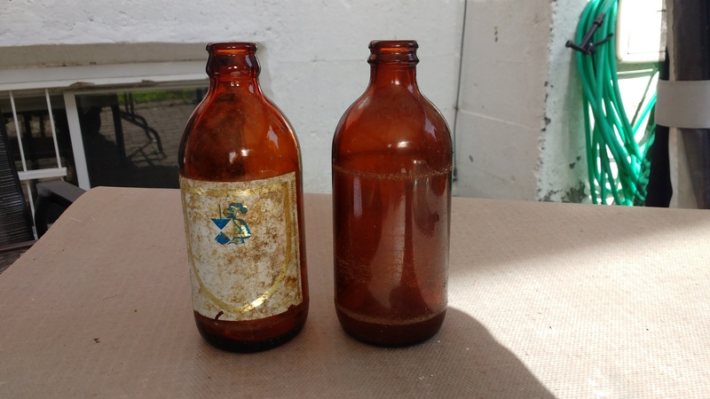 Collection d'une centaine de bouteilles 410