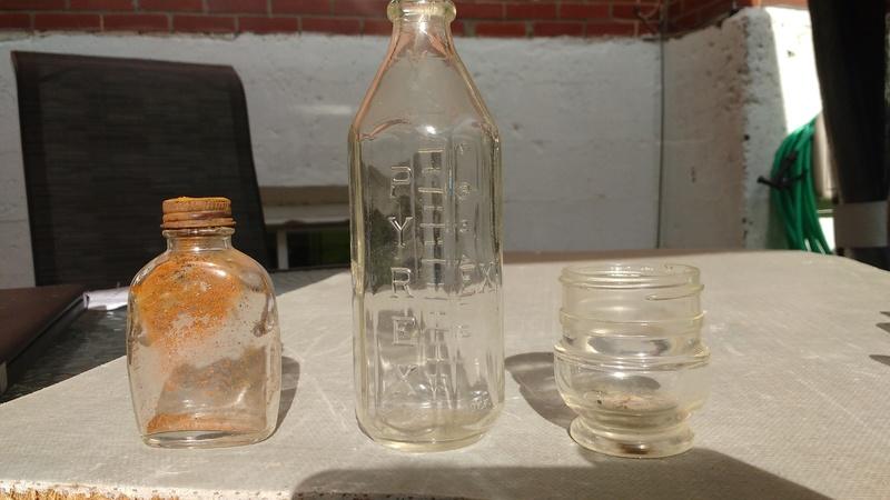Collection d'une centaine de bouteilles 610