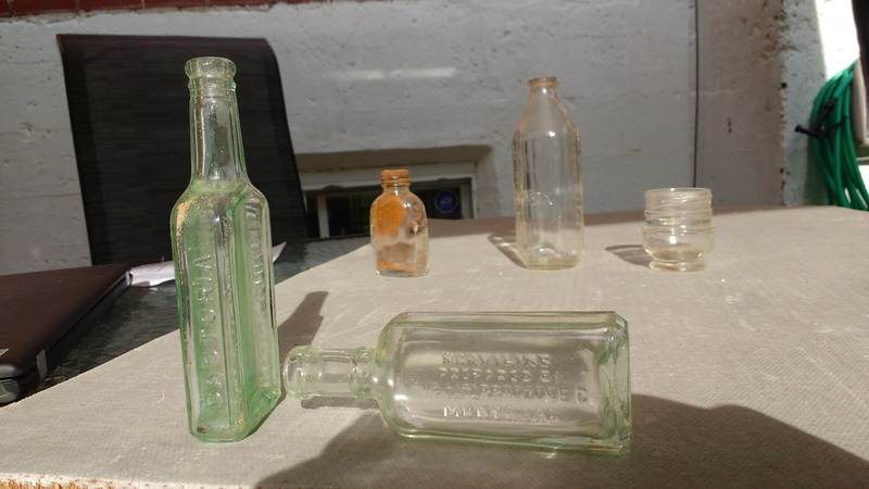 Collection d'une centaine de bouteilles 710
