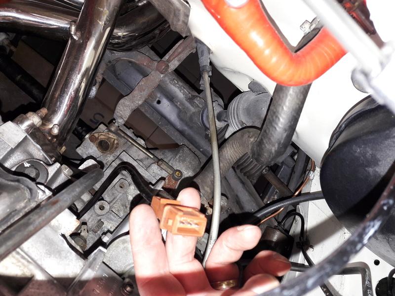 Passage faisceau moteur 205 GTI 1.9 Sonde_12