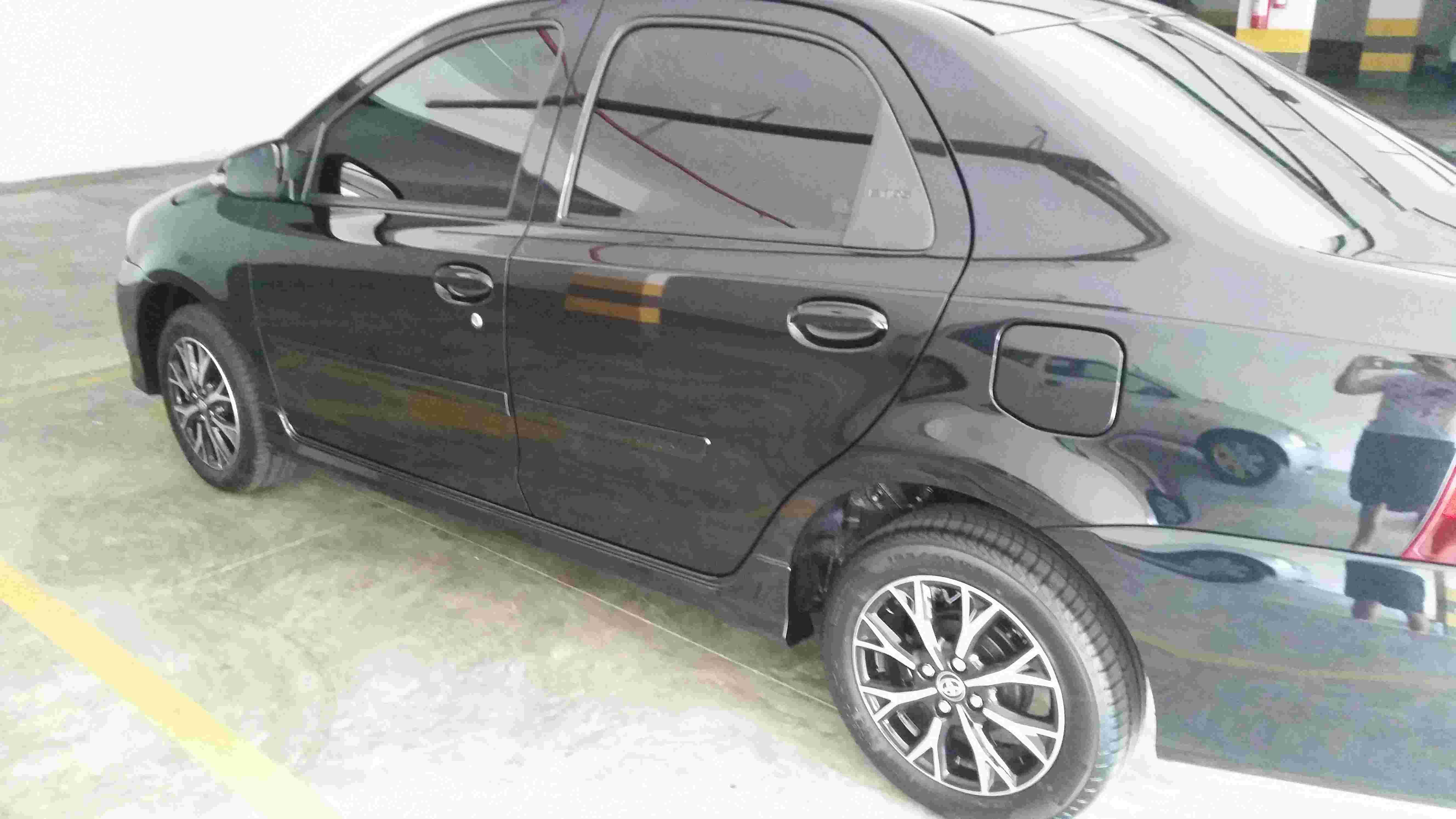 Etios sedan Platinum 17/18 20171019