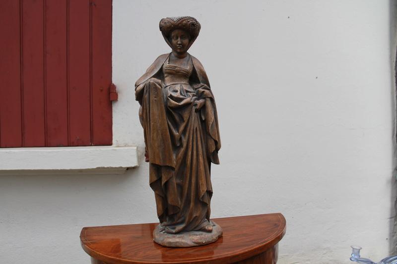 Sculpture femme identification cachet  Img_2610