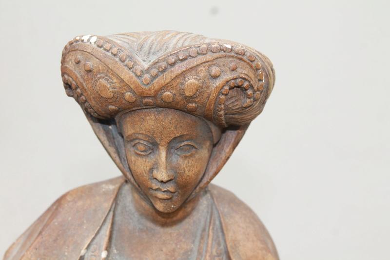 Sculpture femme identification cachet  Img_2710