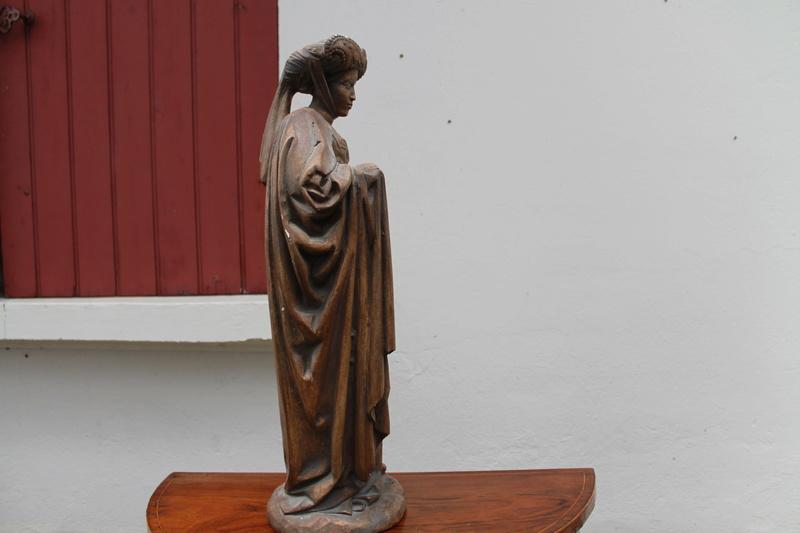 Sculpture femme identification cachet  Img_2712