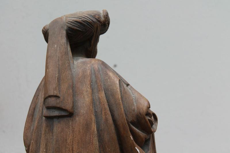 Sculpture femme identification cachet  Img_2713