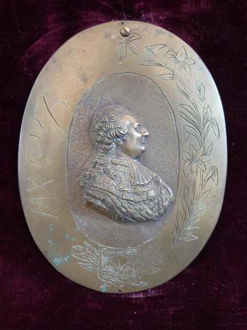 A vendre: Louis XVI et Marie Antoinette - Page 5 12030110