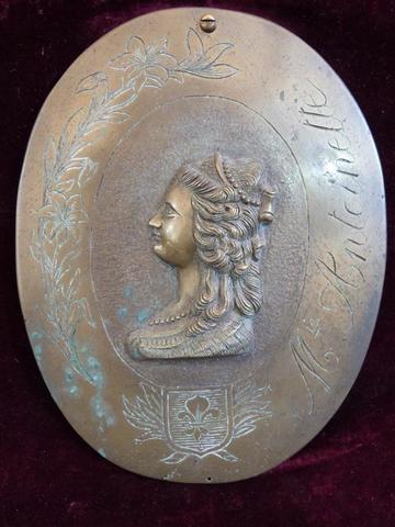 A vendre: Louis XVI et Marie Antoinette - Page 5 12030210