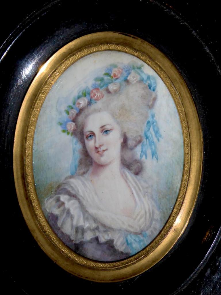 A vendre: miniatures de Marie Antoinette et de ses proches - Page 13 34445010