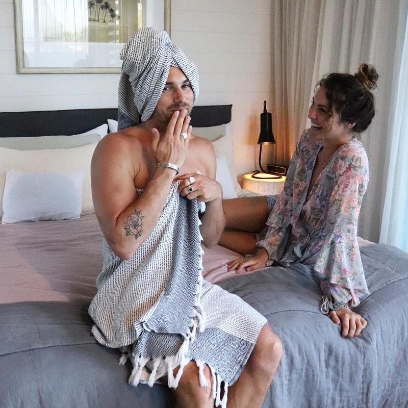 Matty Johnson - Laura Byrne - Bachelor Australia - Season 5 - Fan Forum - Page 12 23966710