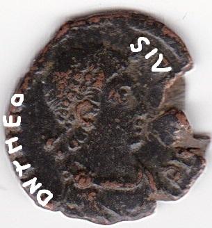 AE4 de Teodosio I. VOT / X / MVLT / XX dentro de corona. Antioch. Ir233_10