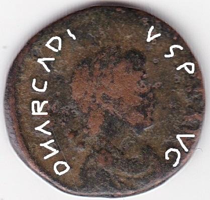 AE4 de Arcadio - VIRTVS EXERCITI. Emperador coronado por Victoria. Constantinopolis. Ir252a10