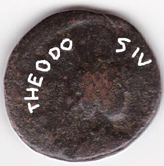 AE4 de Teodosio I - SALVS REIPVBLICAE - Victoria y cautivo - Cizico Ir257a10