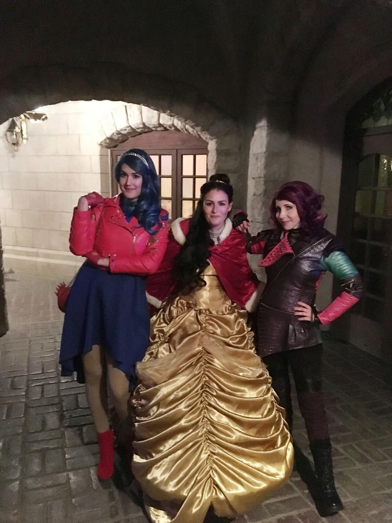 [Costumes] Robes de Princesses et tenues de Princes - Page 24 20171111