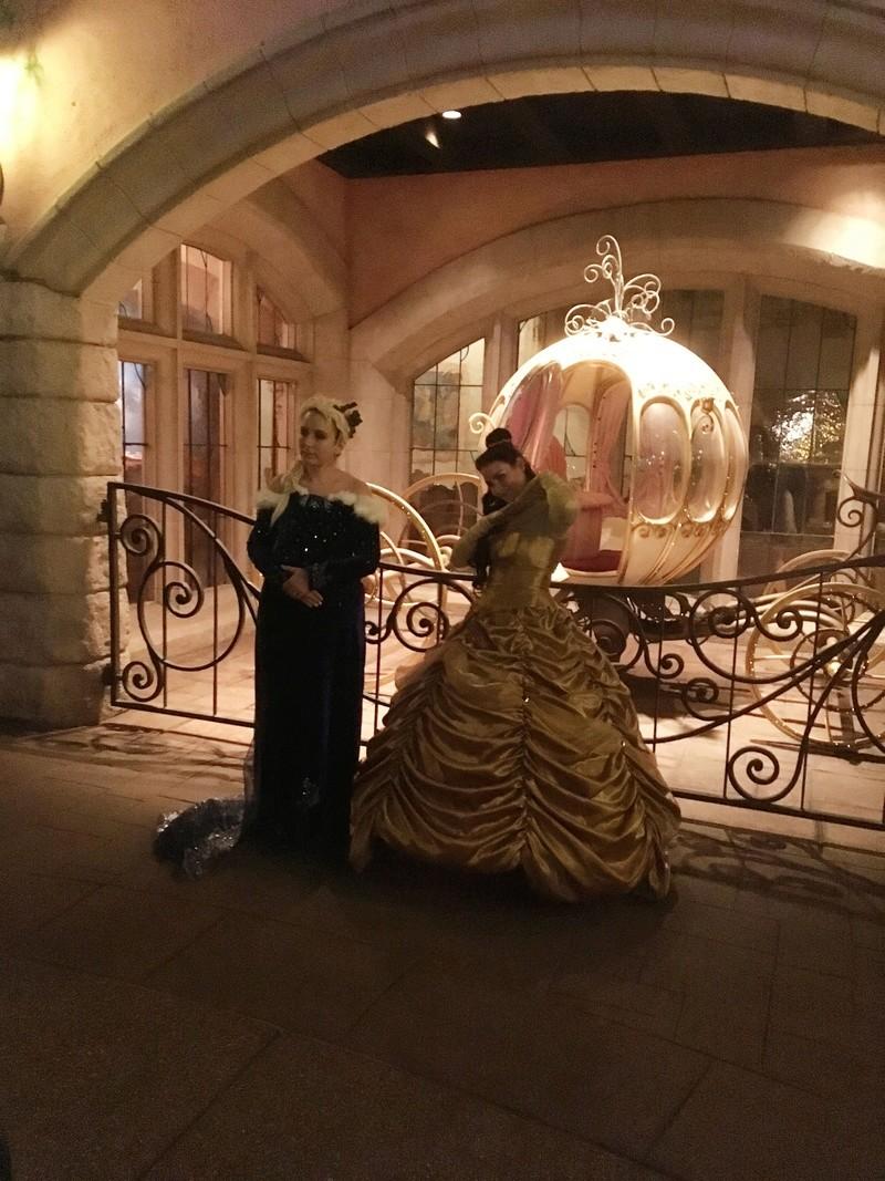 [Costumes] Robes de Princesses et tenues de Princes - Page 24 20171112