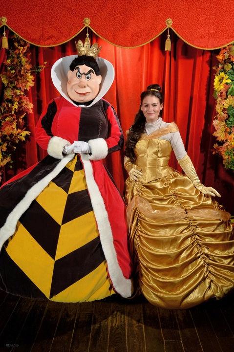 [Costumes] Robes de Princesses et tenues de Princes - Page 24 Disney10
