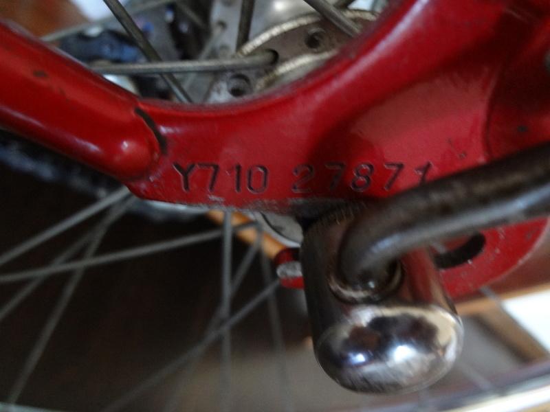 Petit premier Peugeot Rouge Dsc05712