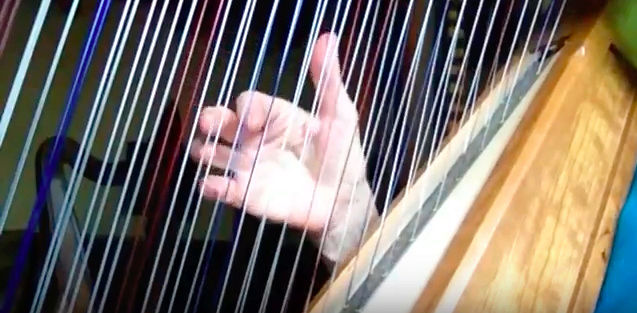 La harpe doublée ou Double-Strung Harp Screen11