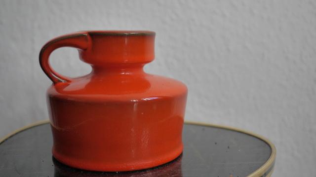 Orange West (or East?) German vase/jug - Gräflich Ortenburgsche, Tambach P1150610