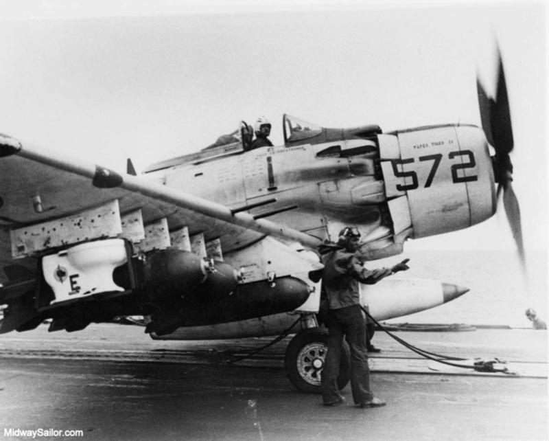 a-1h skyraider  1/72 Toilet10