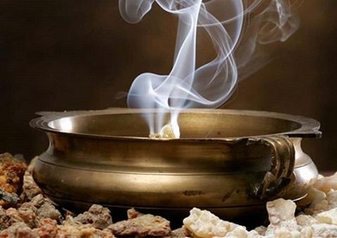 Encens pour les rituels pour attirer l'argent Incens10