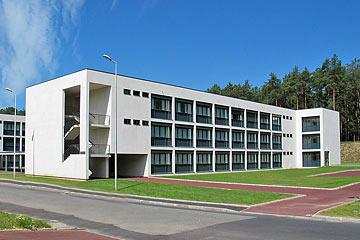 N° 125 - L'Académie Militaire de Poltmond Acadym10