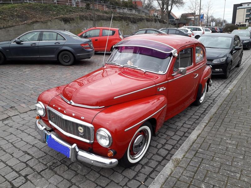 Ein alter Schwede (Volvo) in Stade. 20180410