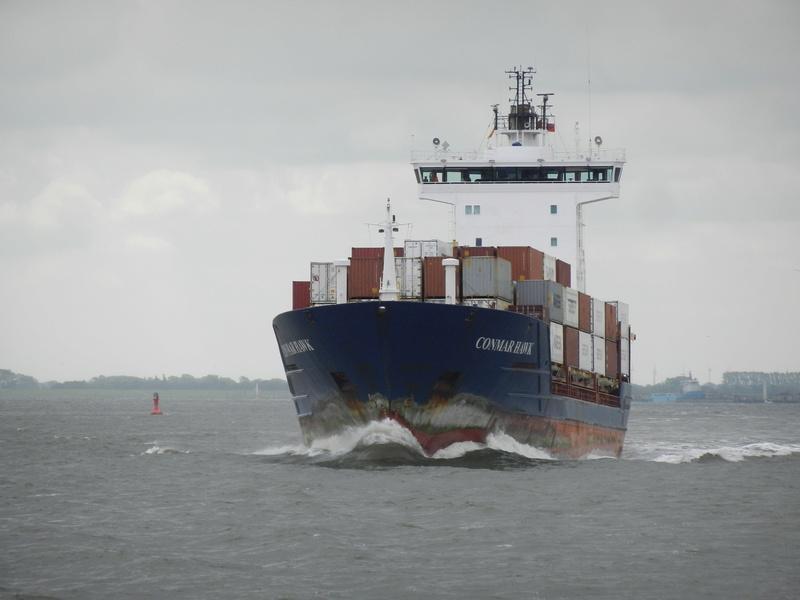 Auf der Elbe ist immer was los. Hannov11