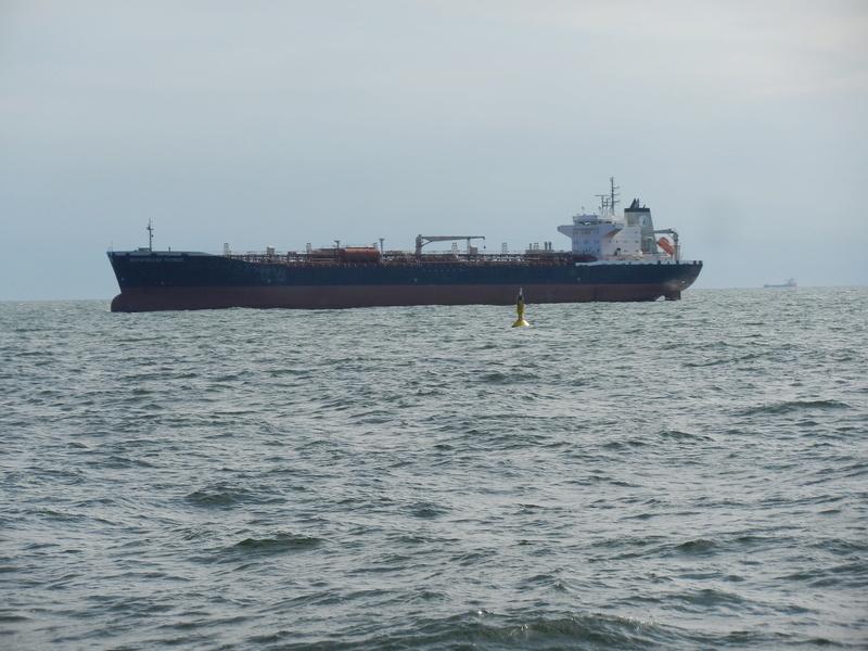 Auf der Elbe ist immer was los. Hannov26