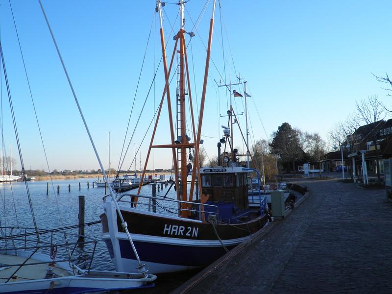 Auf der Elbe ist immer was los. P3120110