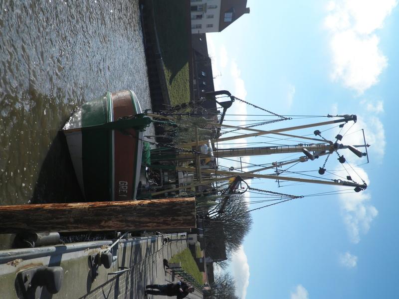 Auf der Elbe ist immer was los. P3130113