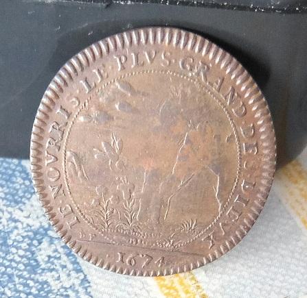 """Jeton Louis XIIII 1674 """"IE NOURRIS LE PLVS GRAND DES DIEUX"""" ... 3a37"""