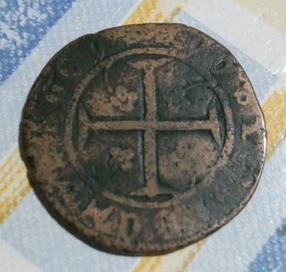 Cruz y escudo . 449