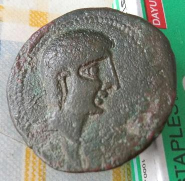 Grande y pesada moneda iberica  6a63