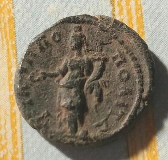 AE19 Provincial de Septimio Severo. Filipopolis, Tracia. 6a79